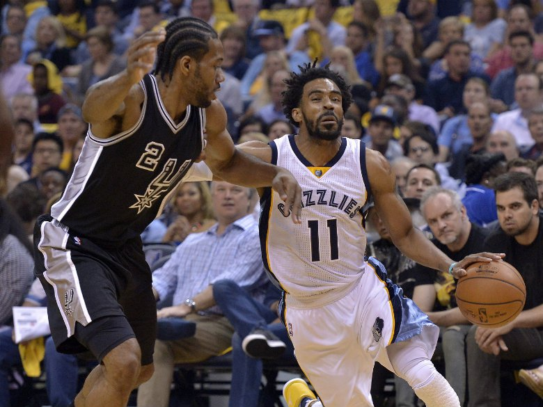 1493075127_1492749093-spurs-grizzlies-baske-webf-small.jpg