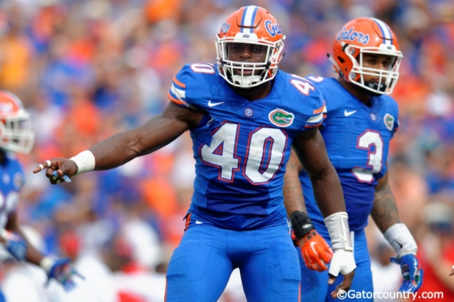 Florida-Gators-linebacker-Jarrad-Davis-calls-out-plays-during-the-Gators-win-over-FAU-Florida-Gators-football-1280x852-940-wplok.jpg